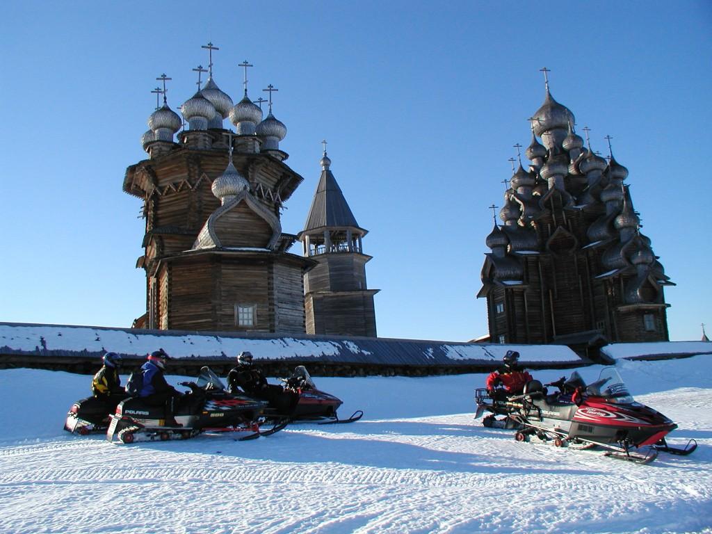 Прогулки на лыжах и снегоходах в Карелии на Новый год 2018
