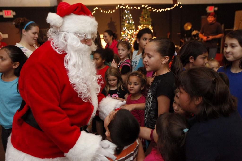 Санта Клаус и дети