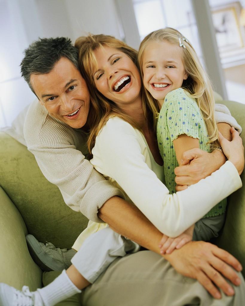 Мама, папа и дочь